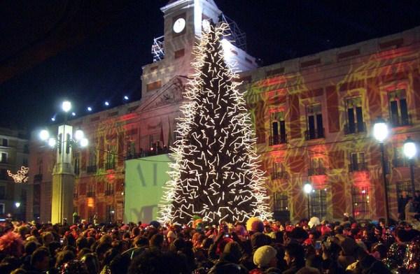 La típica estampa de la Puerta del Sol se vivirá este año en Valencia. Fuente: lalagunaahora.com