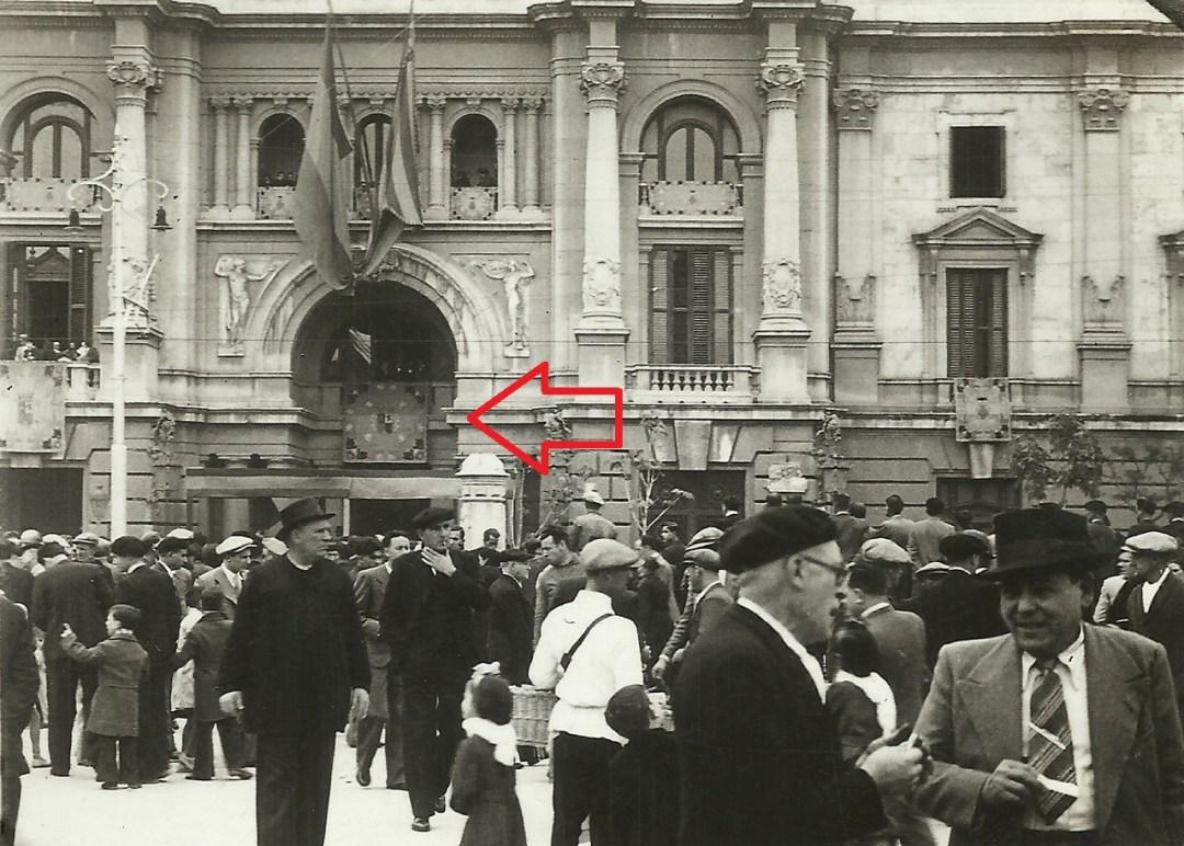 1936, Colección Manolo Lozano. Se puede apreciar el vacío que se dispone en el actual Ayuntamiento.
