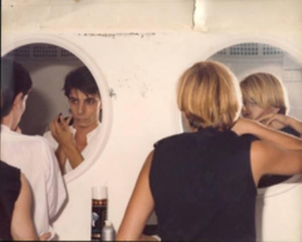 Stray Cats en los camerinos de la sala Bony Torrent. Esta fue su primera actuación en España. El 18 de Febrero de 1981.