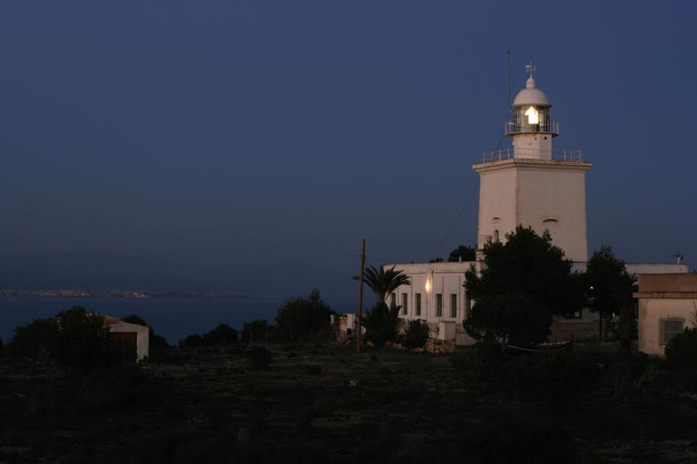 Faro de Santa Pola. Fuente: va.comunitatvalenciana.com