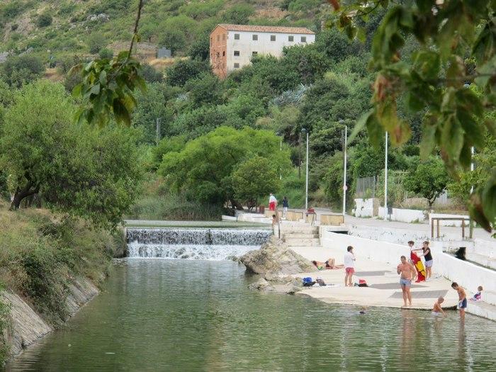 las mejores piscinas naturales en valencia para darse un