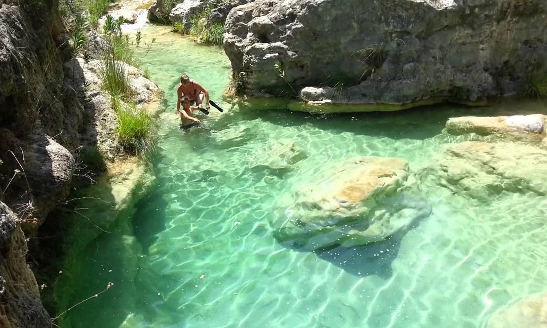 Piscinas naturales en valencia para darse un ba o en plena for Piscinas naturales rio malo