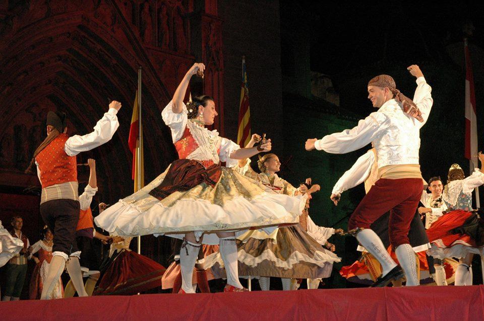 "La Trobada de Folklore inundará Valencia con ""dansaes populars i música de tabal i dolçaina"""