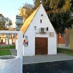 Una oficina de turismo ubicada en el interior de una barraca