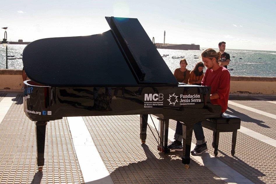 Siete pianos de cola llenarán de música las calles de Valencia