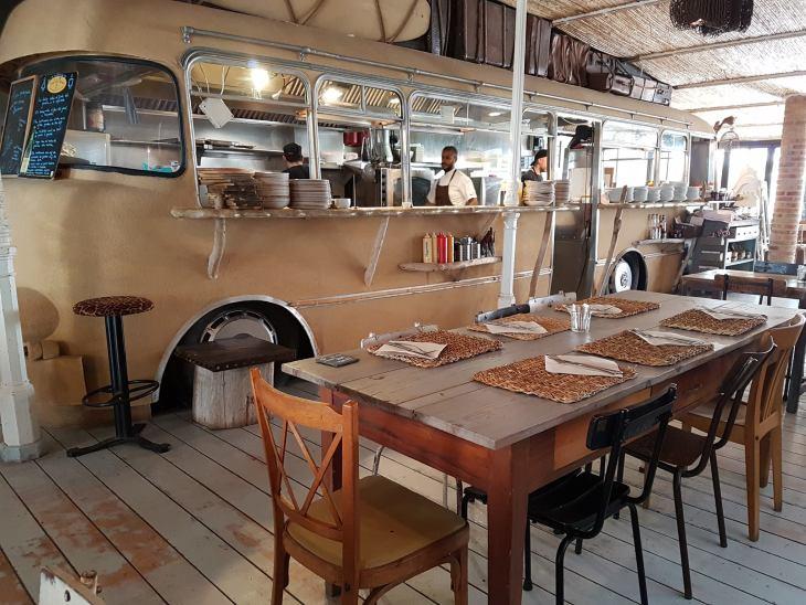 la girafa_restaurant strand valencia.jpg