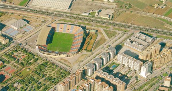 El Ciutat de Valencia a vista de pájaro, antes de ubicar a su costado derecho el actual C.C Arena