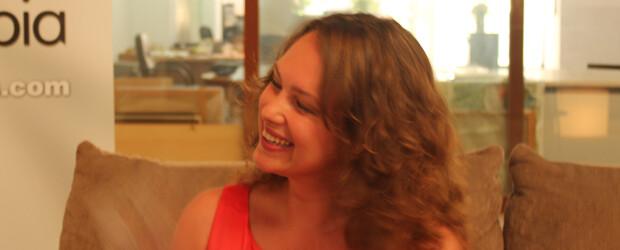 La cautivadora sonrisa de Celine. Foto: Javier Furió