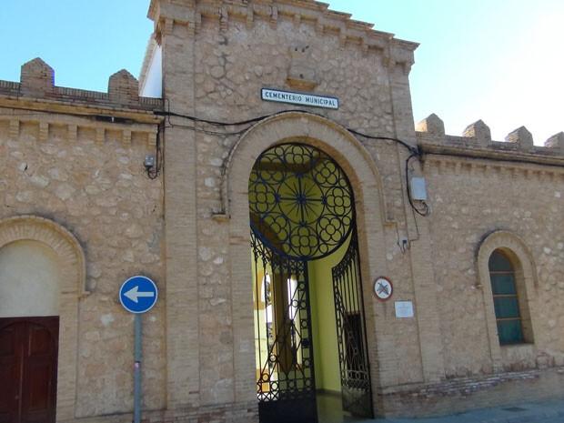 Puerta de acceso al Cementerio Municipal de Paterna, lugar en el que está enterrado el Dr. Carlos R. Lafora. Foto: Jimmy Entraigües