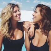 las gurús de la moda que arrasan en internet con sus fotos en bikini (14)
