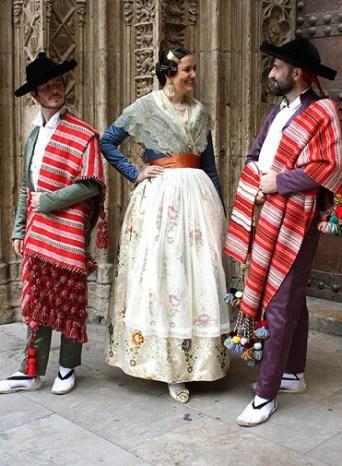 Trajes típicos valencianos.