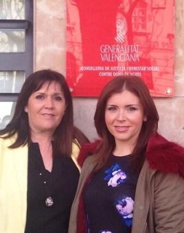 María Dolores Jimenez y Carmen Sánchez en el Centro Mujer 24 horas de Valencia.