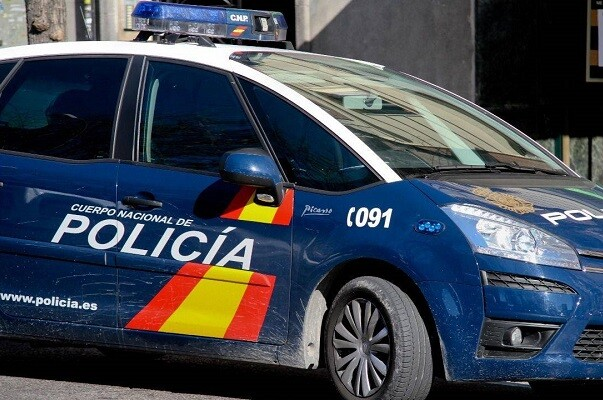 La Policía Nacional detiene en Valencia a dos hermanos por chantajear a la expareja de uno de ellos con la publicación de un vídeo íntimo.
