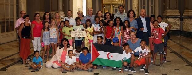 Recepción de niños y niñas saharauis.