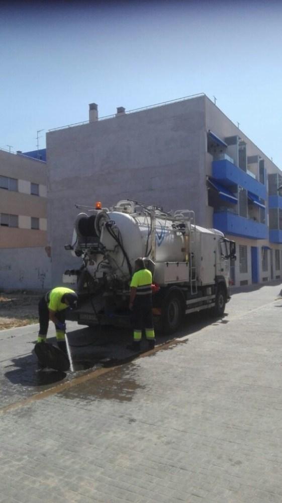 El ayuntamiento de Massamagrell y Global Omniumaguas de Valencia inician las limpieza de imbornales, pozos y colectores