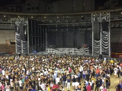 Miguel Bosé abarrota la Plaza de Toros de Valencia con su gira Estaré (2)