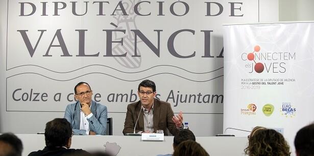Jorge Rodríguez junto al diputado de Proyectos Europeos Bartolomé Nofuentes.