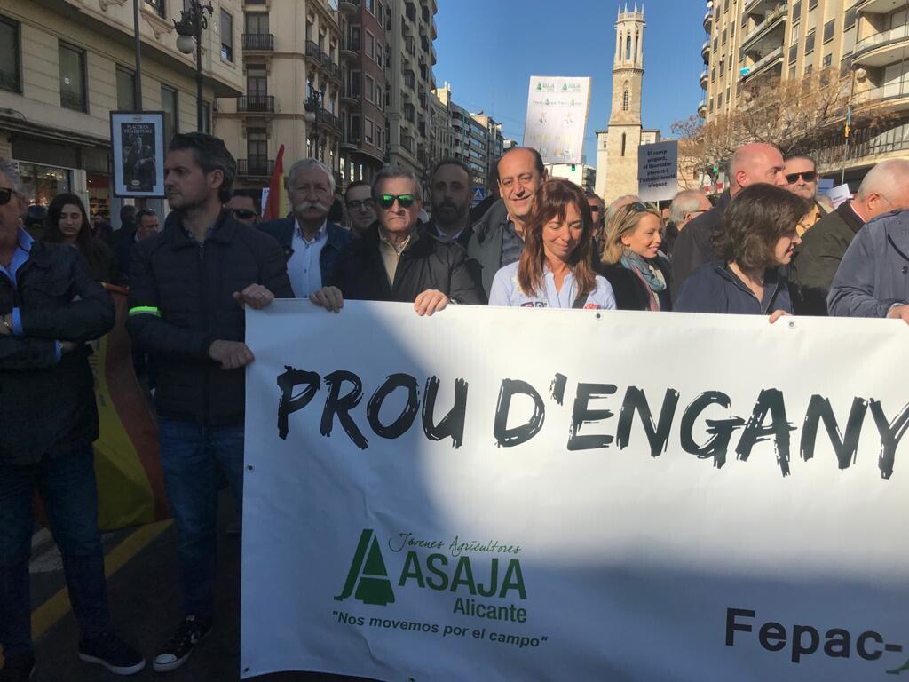 Vicente Montañez concejal de VOX del Ayuntamiento deValencia en apoyo a los agricultores (2)