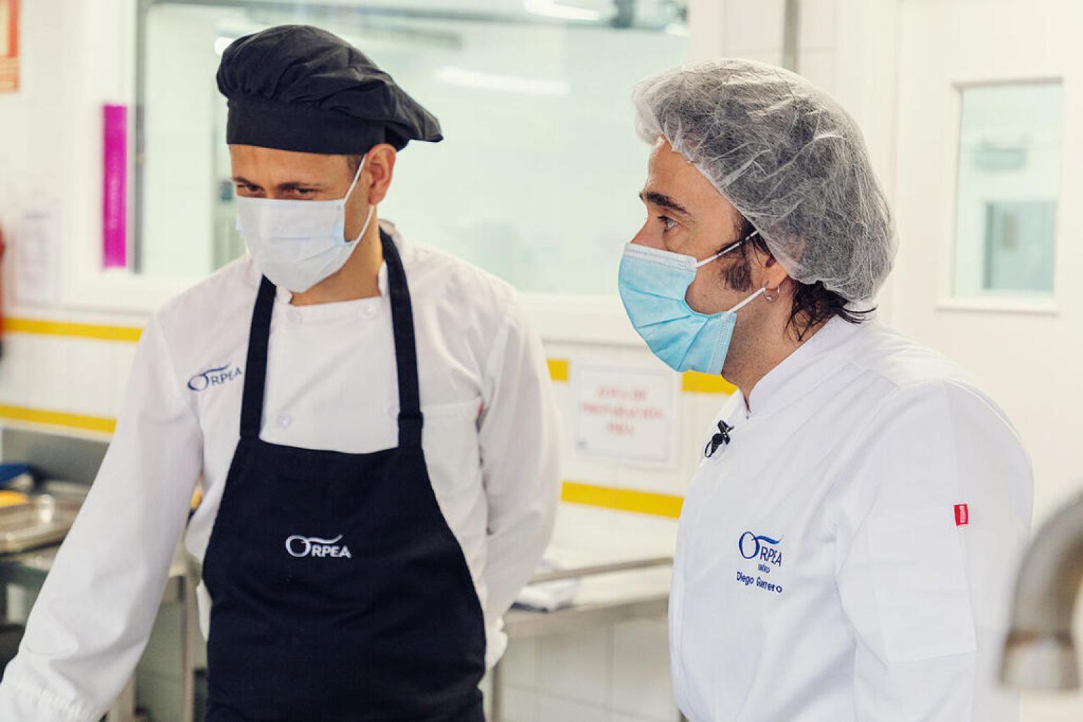 Diego-Guerrero-muestra-su-apoyo-a-los-cocineros-de-las-residenias-ORPEA