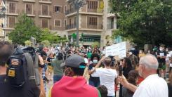 Valencia desafía las prohibiciones por George Floyd, el afroamericano muerto 20200607_110044(0)
