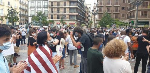Valencia desafía las prohibiciones por George Floyd, el afroamericano muerto 20200607_110044(3)