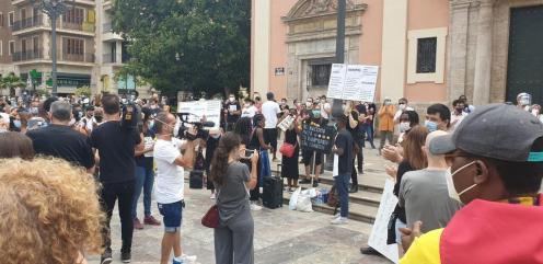 Valencia desafía las prohibiciones por George Floyd, el afroamericano muerto 20200607_110044(6)