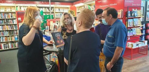 Firma de libros «El Santo Grial» en el Fnac por la Dra. Ana Mafé 20200717_175852(4) (Mediano)
