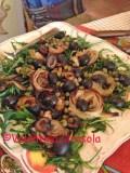 Roasted onions, arrugula and olives