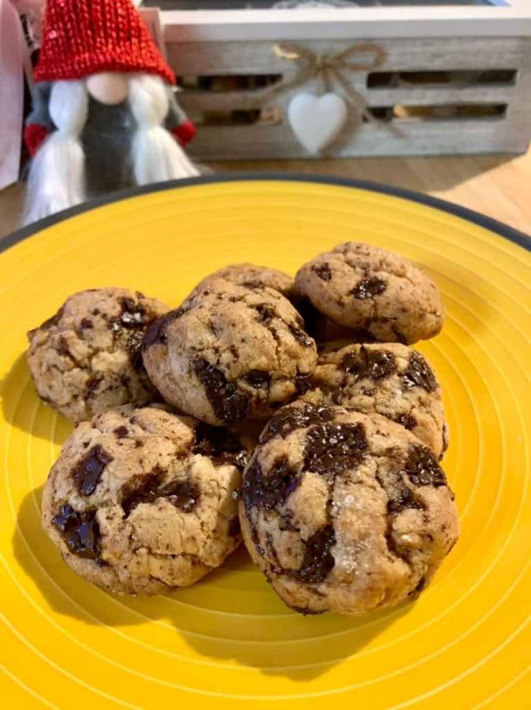 Biscotti noci e cioccolato fondente BioNutriForm 1