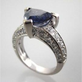 Valenzya Diamond and Sapphire Ring