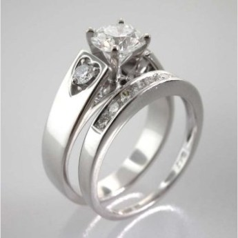 Valenzya Diamond Engagement Ring and Wedding Band