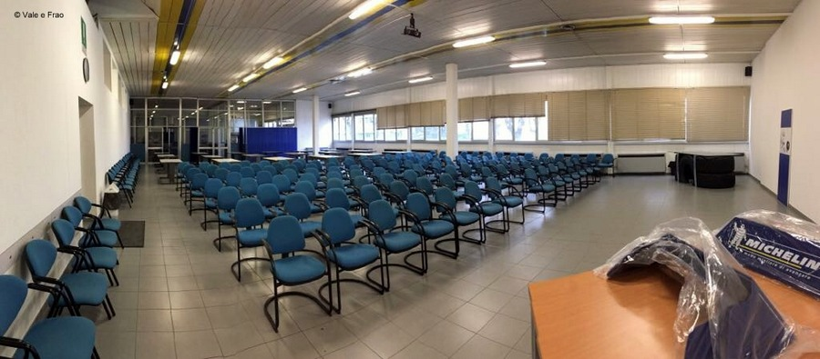 Formazione e team building in azienda: Michelin sala riunioni attività