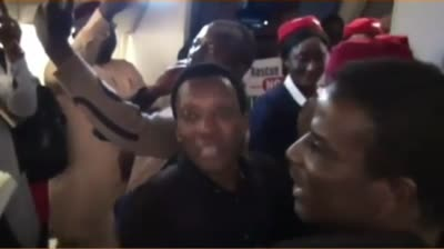 Xenophobia: Air Peace boss, Allen Onyeama in tears upon seeing Nigerian returnees