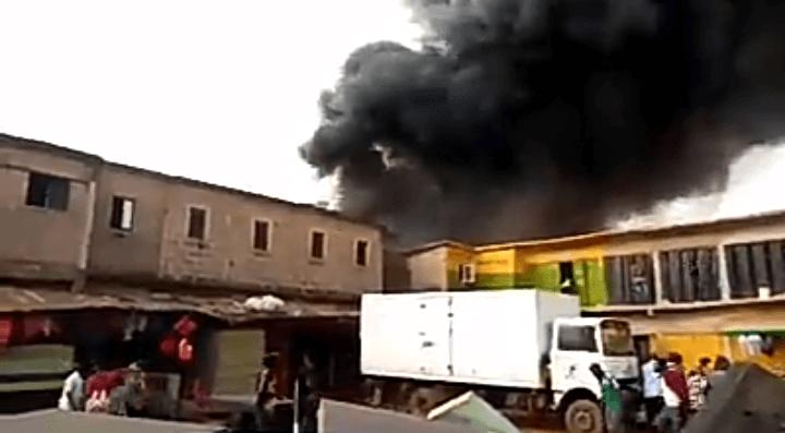 Breaking: Fire Guts Popular Kenyetta Market In Enugu State (Watch Video)