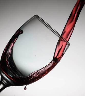 pohár červeného vína