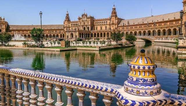 Visitare_e_Scoprire_Siviglia_Plaza_de_Espana