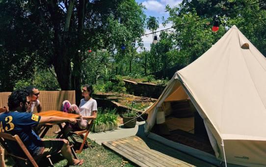 Férias | Acampar com conforto e lazer é a novidade do Hostel da Vila em Ilhabela
