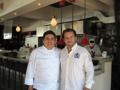 Chef Christian Bravo (links), Fabrizio Frías, im Santa Marea