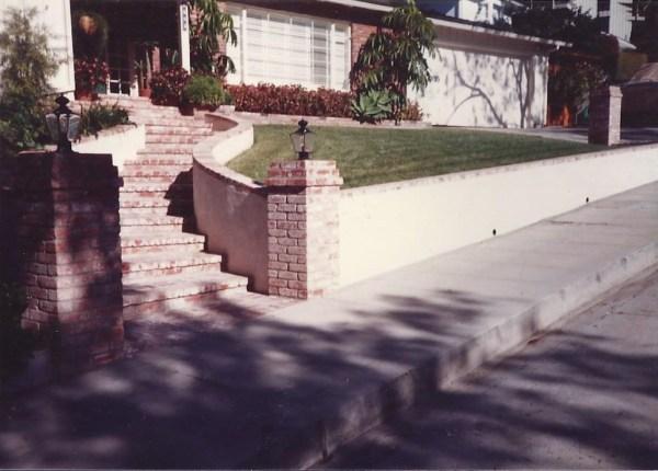 Stucco Entryway Walls 2