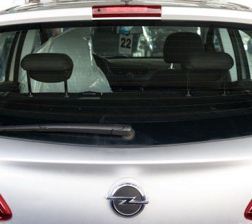 Sostituzione lunotti posteriori auto