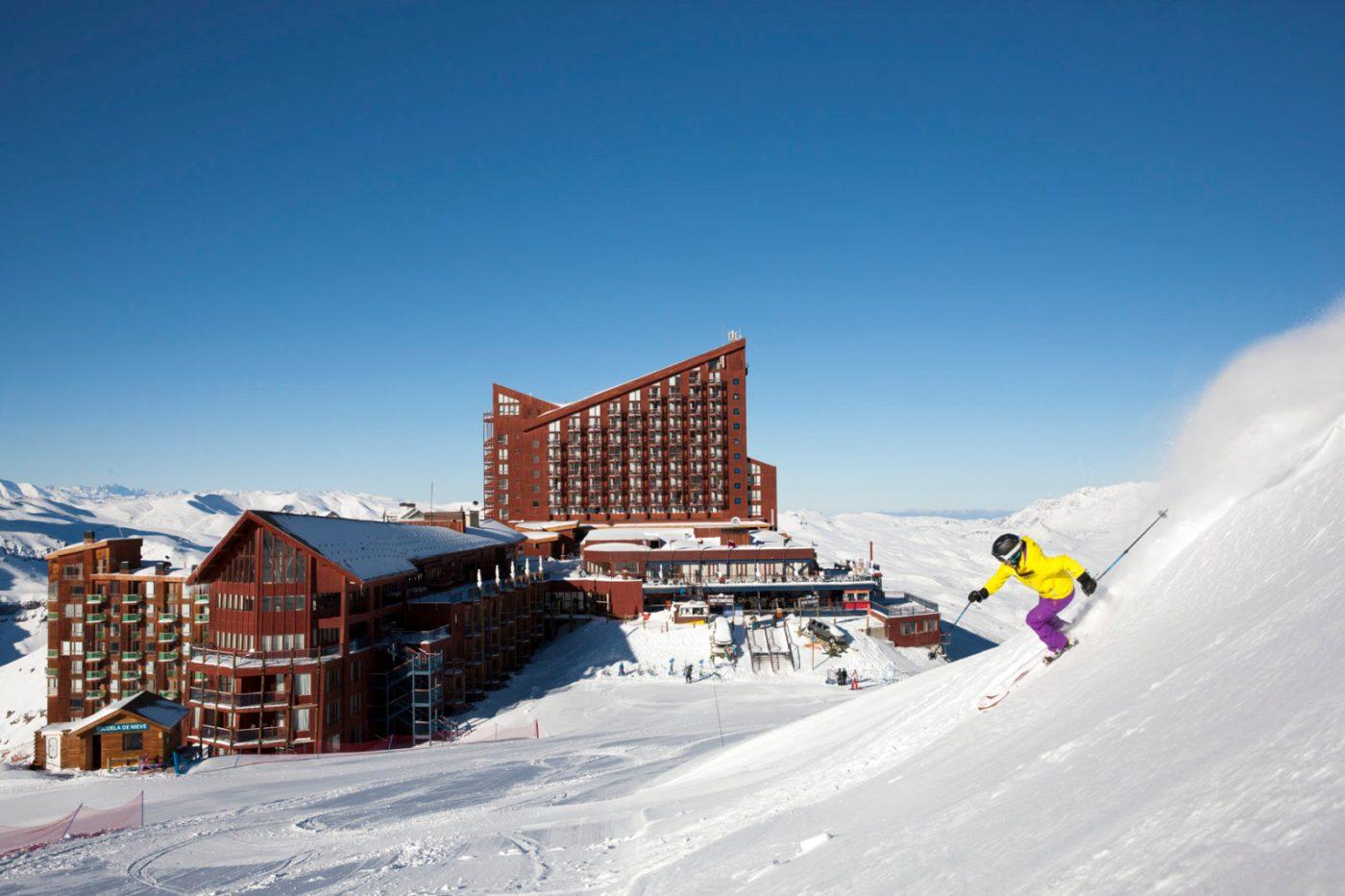 Conheça os 3 hotéis do complexo Valle Nevado Ski Resort, no Chile ...