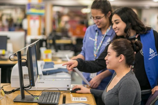 Prior to applying for the Mission EDA Scholarship, students must have earned six credit hours at South Texas College. This includes dual enrollment credits.