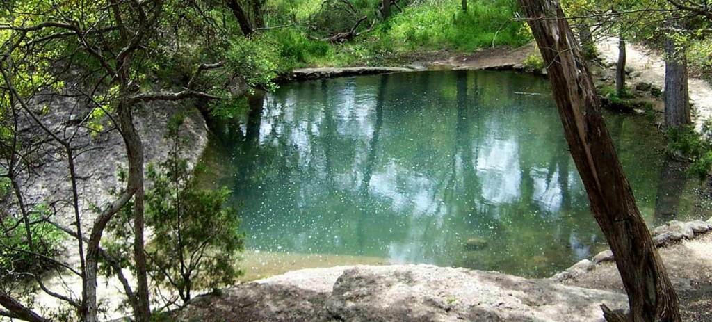 Mother Neff State Park, one of Texas' earliest state parks, is one of many open for a First Day Hike. (photo TPWD)