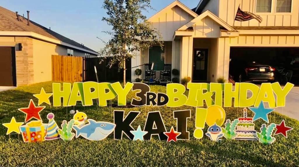 Yard Fonts helps a family celebrate a child's birthday in Edinburg. (Courtesy)