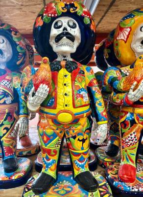 El Disco features a dazzling variety of curios from Mexico.