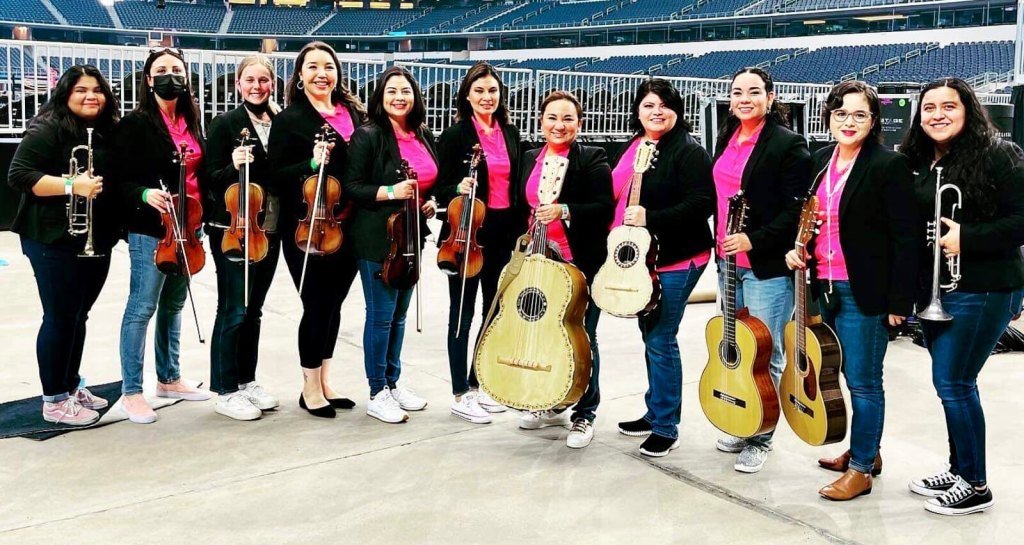 The all-female Mariachi Margaritas rose to the occasion in playing at the Canelo Alvarez fight at AT&T Stadium in Arlington.