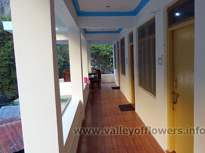 Hotels in Ghangaria, Govindghat Hotels, Hotel booking in Ghangaria and Govindghat for a trip to Valley of flowers.