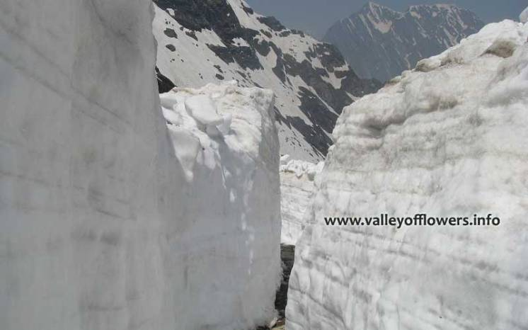 10 to 12 feet snow on our trek to Hemkund Sahib in first week of June.
