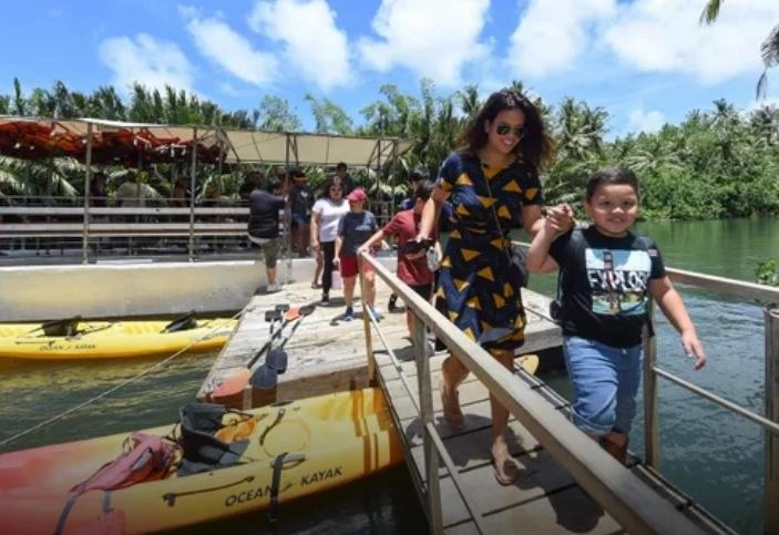Guam River Festival brings out families, vendors and musicians, Valley of the Latte, Guam River Festival, Guam PDN