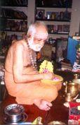 Swamigal performing puja to Guruvayurappan
